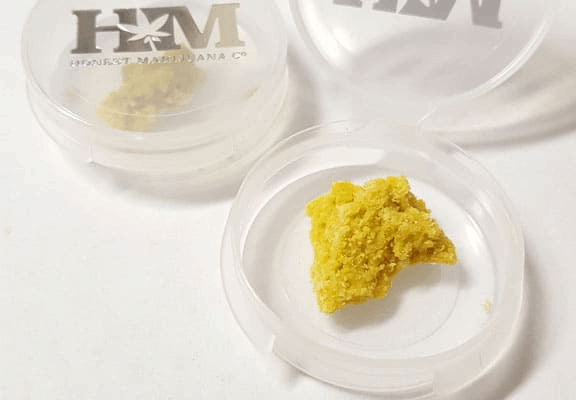 small container of dab for a dab pen