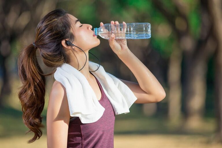 Why It's a Good Idea to Keep Medicalweeds Water Nearby After a Workout